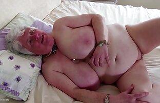شلخته های جوان به آرامی گونه ای گوشت افلام سكس اجنبي ساخنة گاو را از یک مرد حرامزاده می گیرند